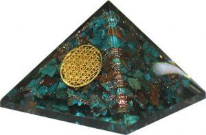 Orgone Piramide Groot - Chrysokolla Flower of Life