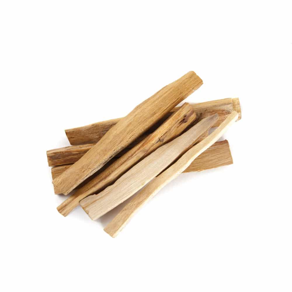 stapeltje heilig hout stokjes