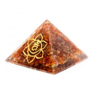 Orgoniet Piramide - Heiligbeenchakra - Carneool (70 mm)