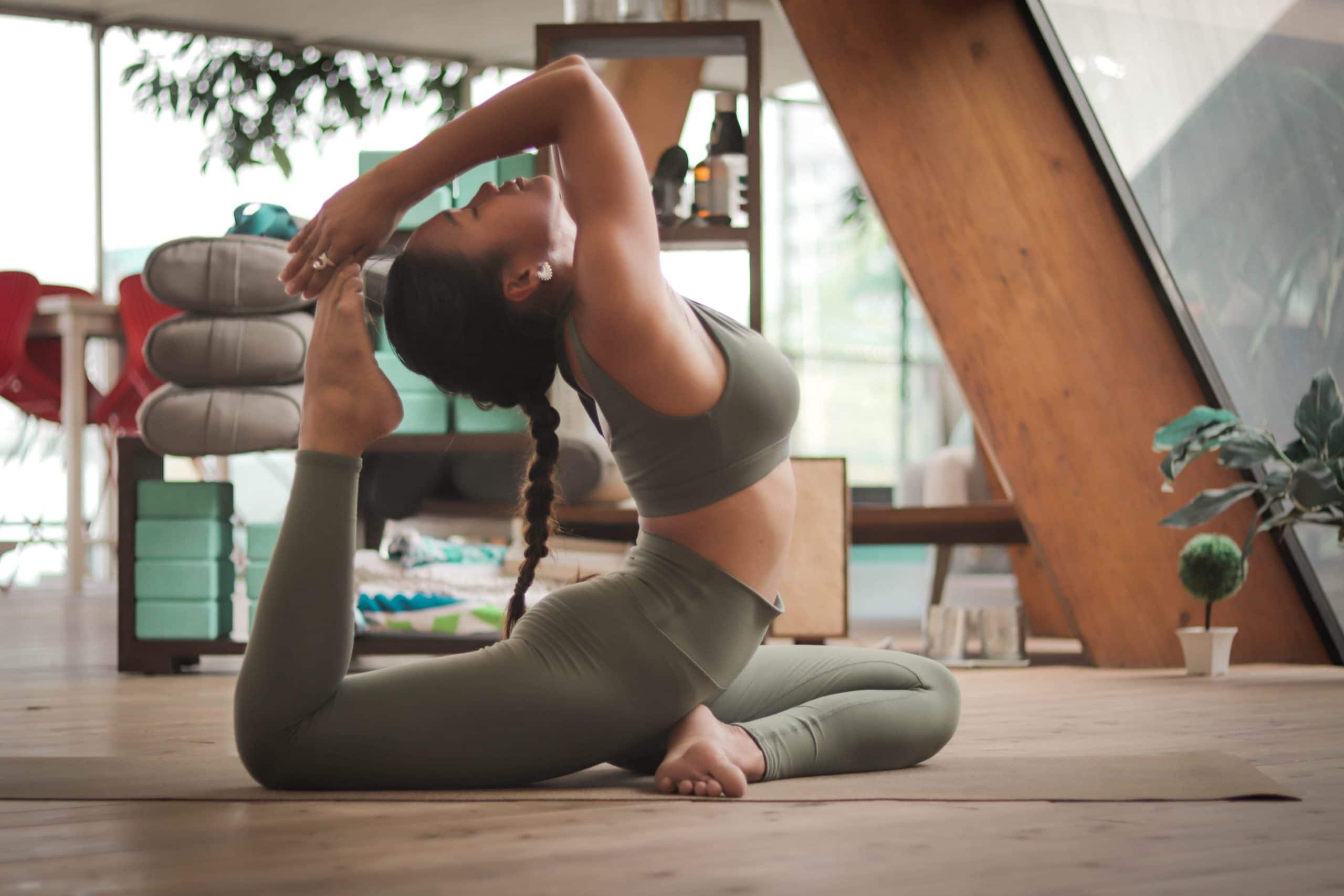 yoga pose vrouw