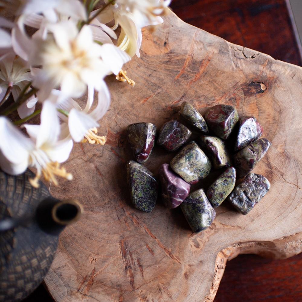 drakenbloed jaspis edelstenen herkennen