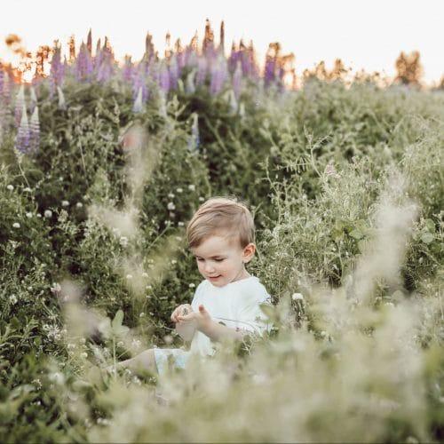 kind in natuur