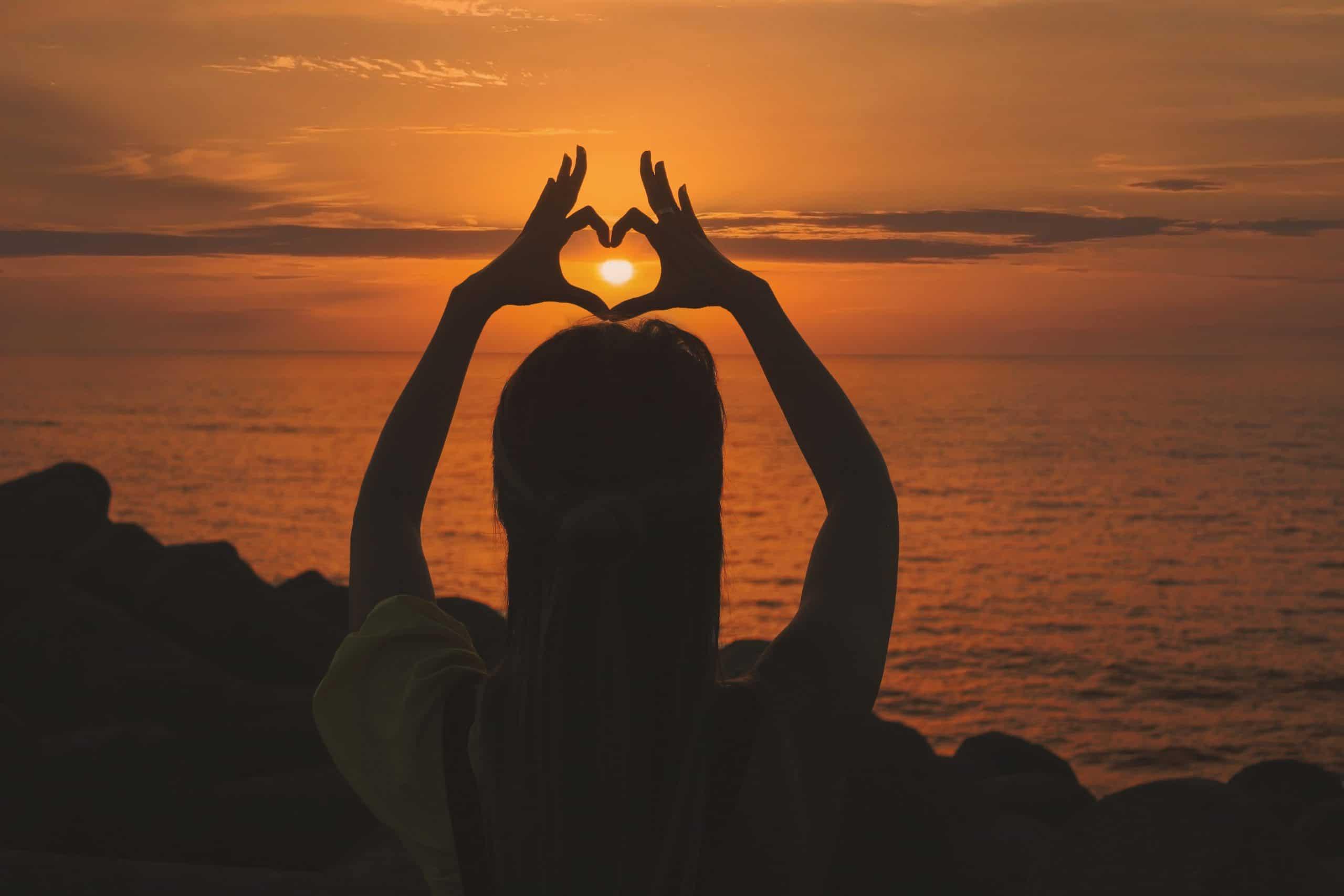 hart bij zonsondergang